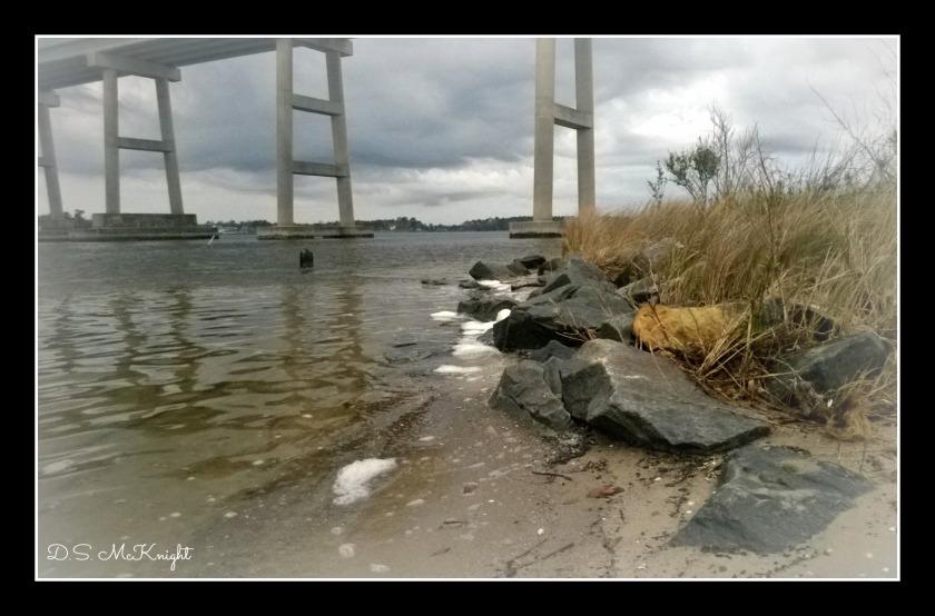 New River Bridge Border
